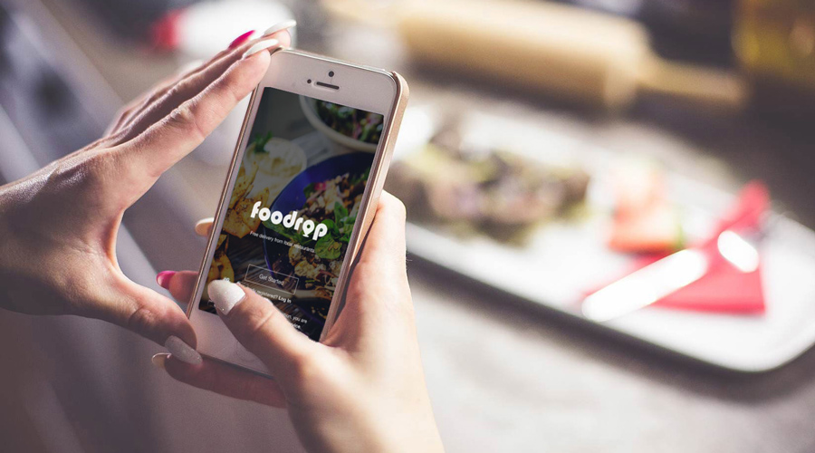 Foodrop allows restaurants to offer discounts and free delivery in exchange for the new business.